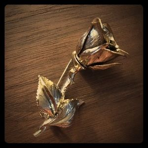 Jewelry - Golden Rose Pin / Brooch